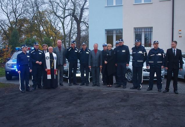 Przekazanie-samochodow-Policja-w-Nowem.JPG