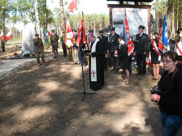 Lipinki-pomnik-(1).JPG