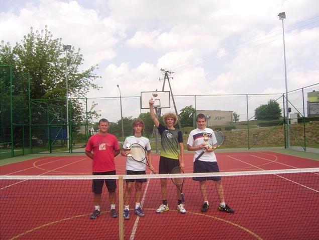 finałowa-trojka---zawody-tenis-.JPG