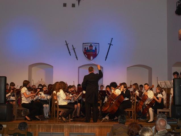 Dziecieca-Orkiestra-Symfoniczna.JPG